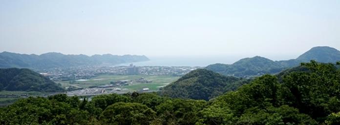 勝善寺旧跡地(検儀谷原黒石山)から岩井海岸を眺望