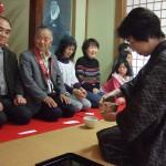 西山社中の皆さまのお手前によるお茶席を楽しみました。