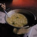 川名夫妻が毎年提供してくれる温かく美味しい豚汁です。